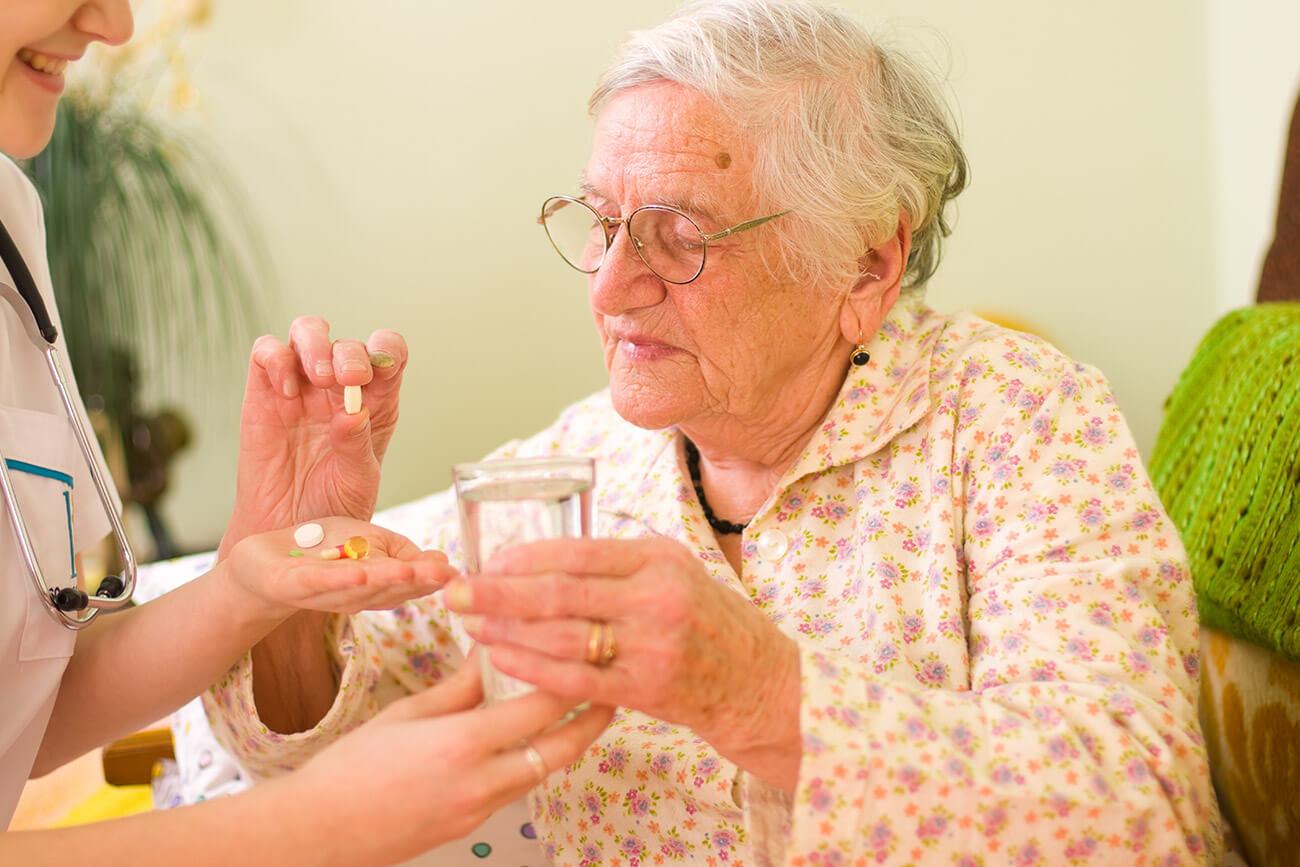 Klaarzetten medicatie door thuisverpleegkundige